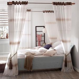 vorh nge f r das himmelbett wohnen und wohlf hlenwohnen und wohlf hlen. Black Bedroom Furniture Sets. Home Design Ideas